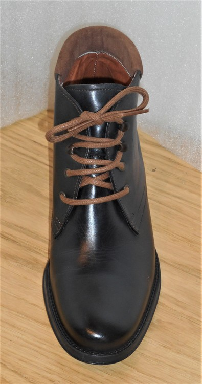 Svart snörkänga med brun mockakant - Amberone
