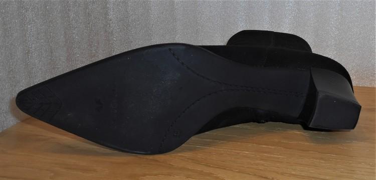 Svart mockakänga med krokodilmönstrat skinn i tån - Ferrerías