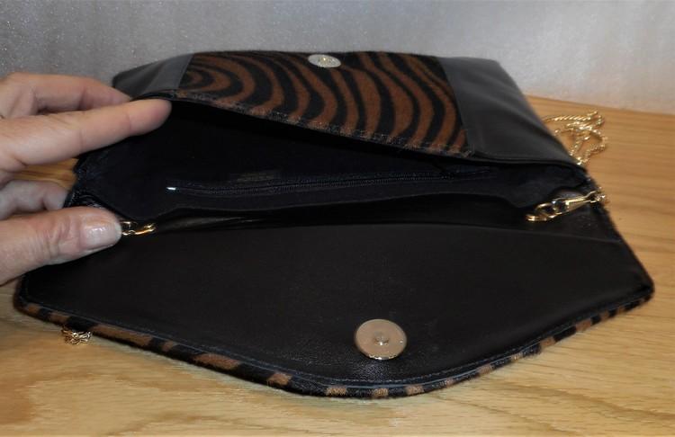 Djurmönstrad väska