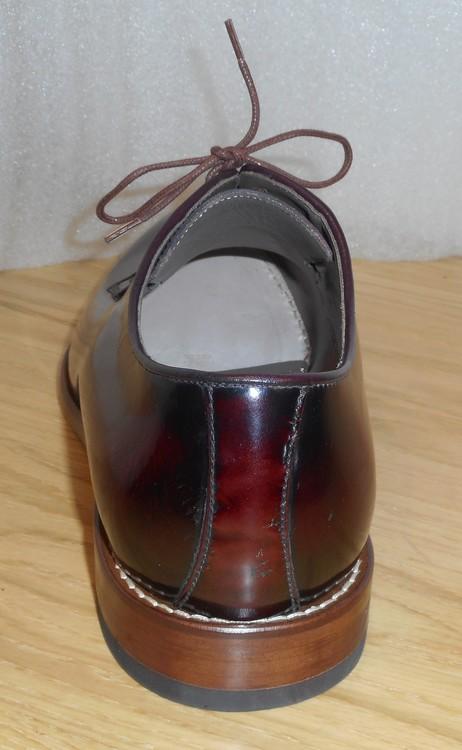 Vinröd snörsko i högblankt skinn - fabrikat Mario Fagni