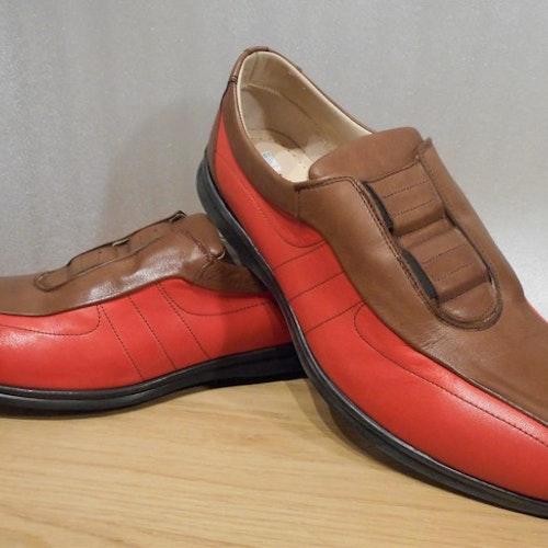 Brun/röd loafer med resårer - fabrikat José Benidel