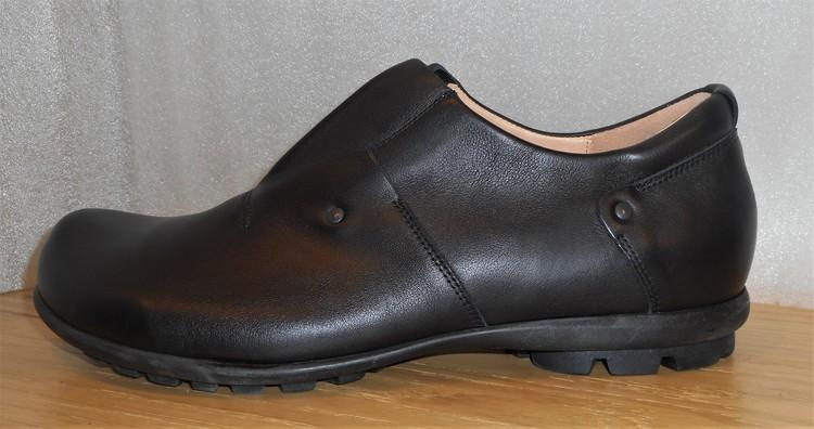 Svart loafer med grov sula - fabrikat Think!