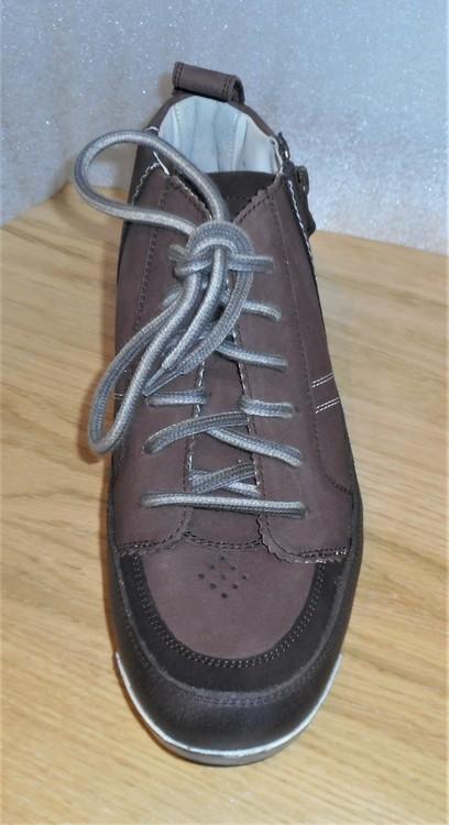 """Sportig brun känga - sliten """"look"""" från tyska Lloyd"""