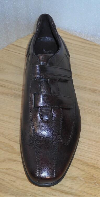 Mörkbrun sko med kardborreknäppning - fabrikat Sioux