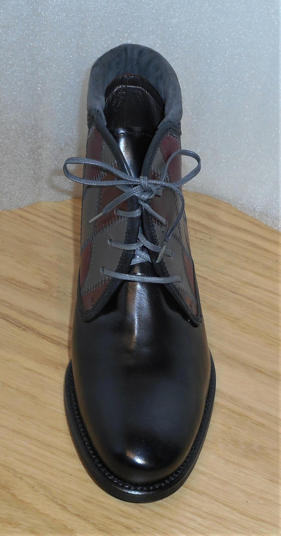 Svart snörkänga med harlequinmönstrat skaft - Amberone