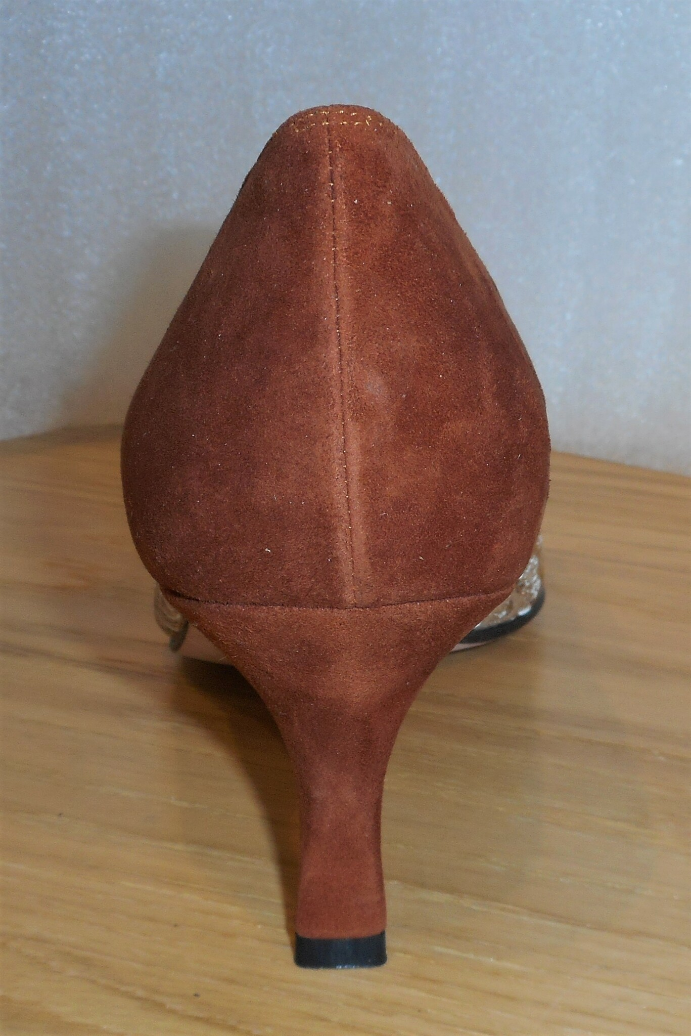 Guldmönstrad/rostbrun pumps från spanska Amante