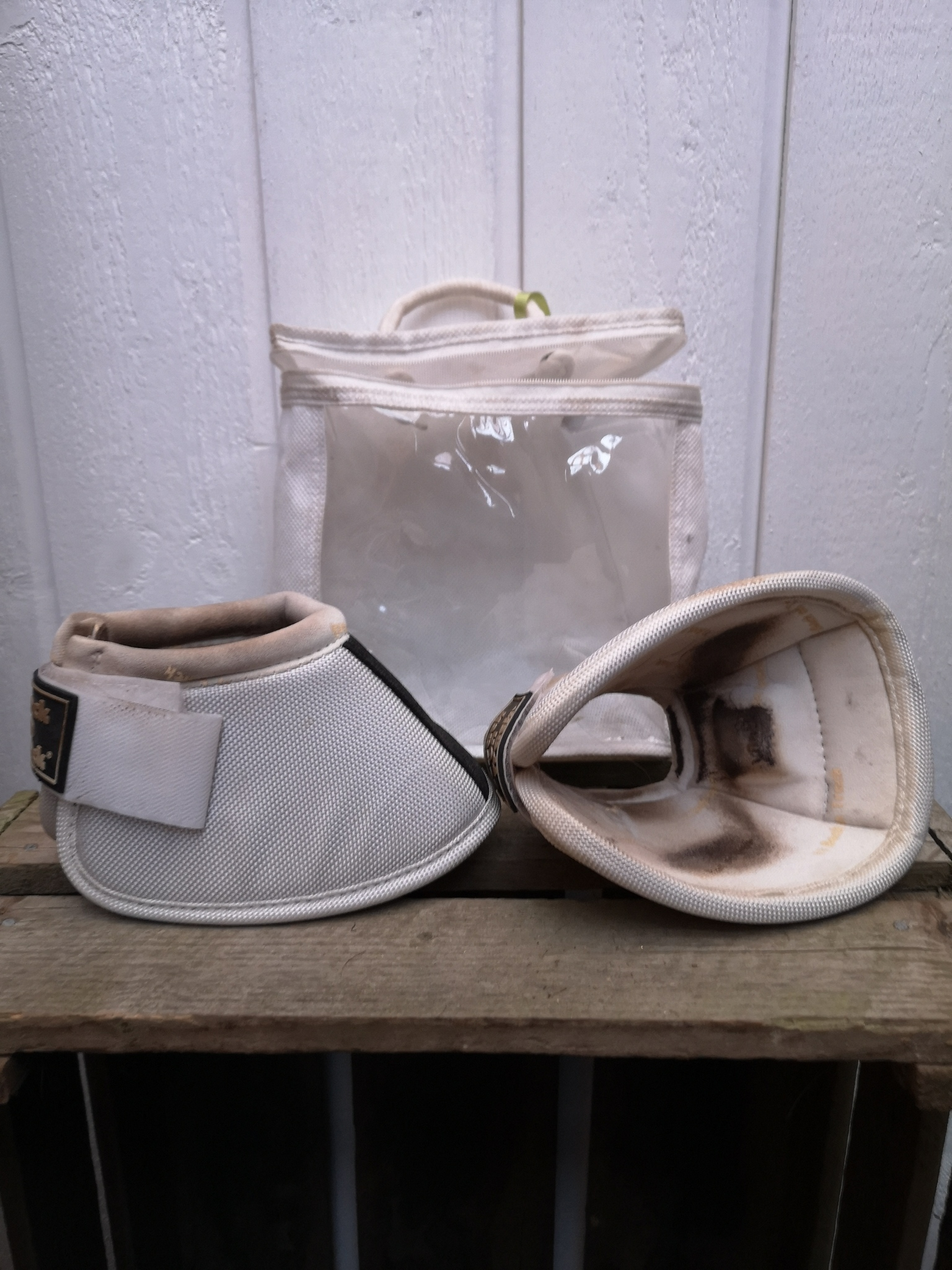 Boots L