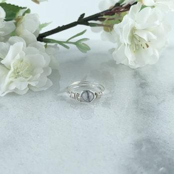 Handgjord Ring Howlit