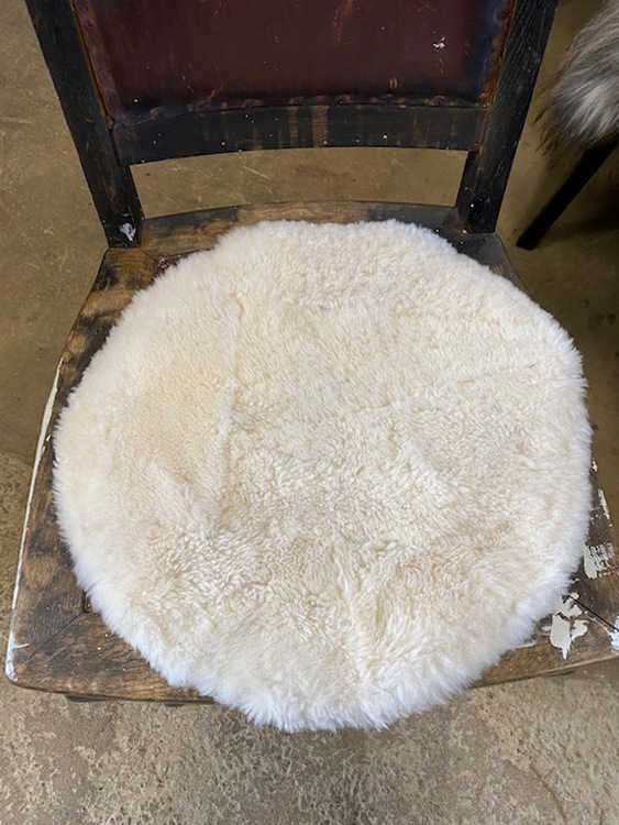 Sittdyna i fårskinn-beige
