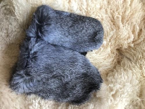 Torgvantar i fårskinn/päls-blå