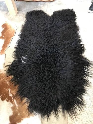 Isländskt , långhårigt   fårskinn