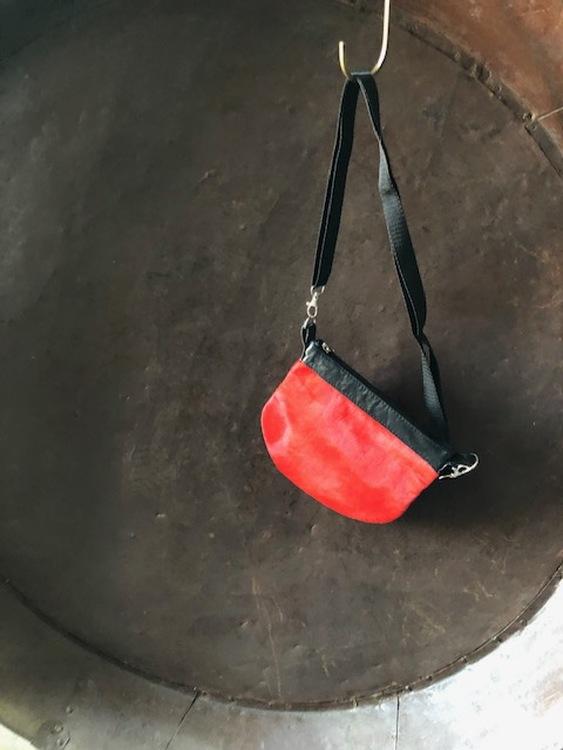 Pälsväska-röd