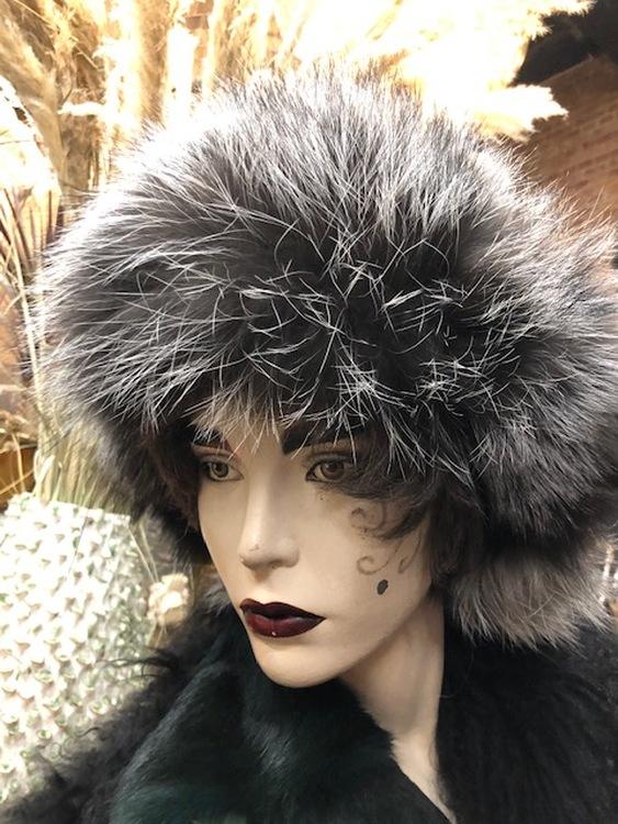 Kopia Fårskinnsmössa med öronlappar-svart
