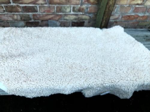 Kopia australiensiskt vitt fårskinn