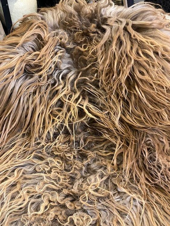 Isländskt fårskinn-brun 57