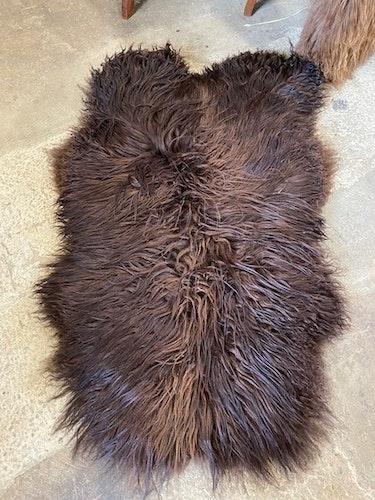 Isländskt fårskinn-brun 58