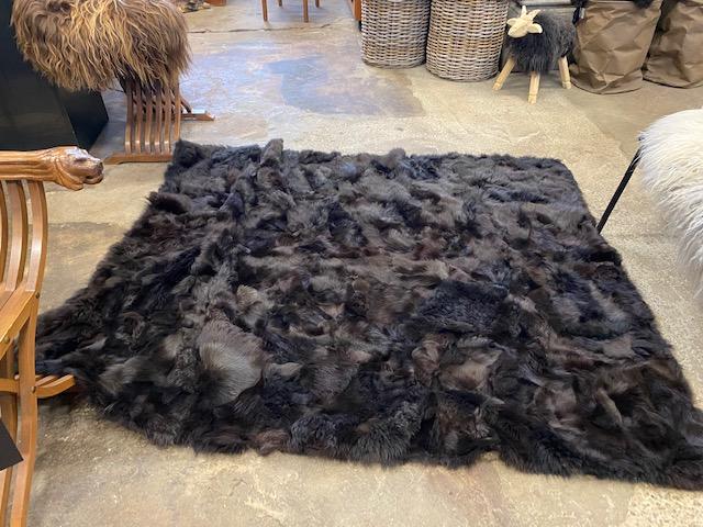 Fårskinnspläd-Överkast i äkta fårskinn-chokoladbrunt