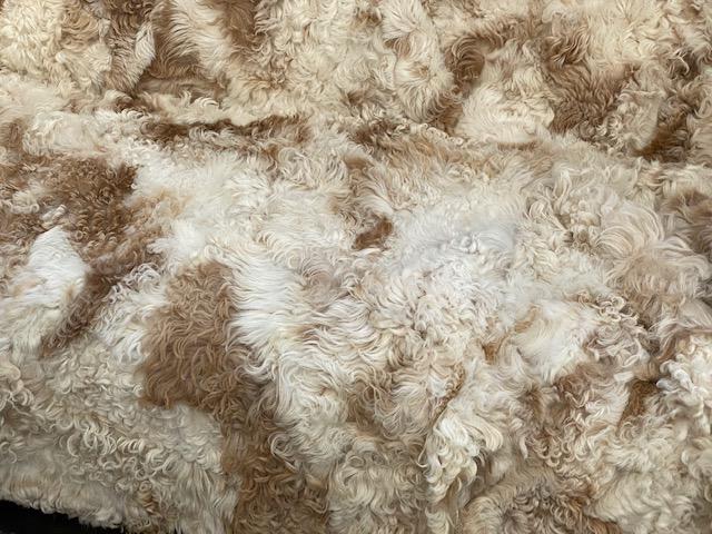 Fårskinnspläd-Överkast i äkta fårskinn-