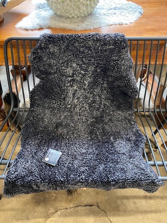 Australiensiskt fårskinn /antracit grå/