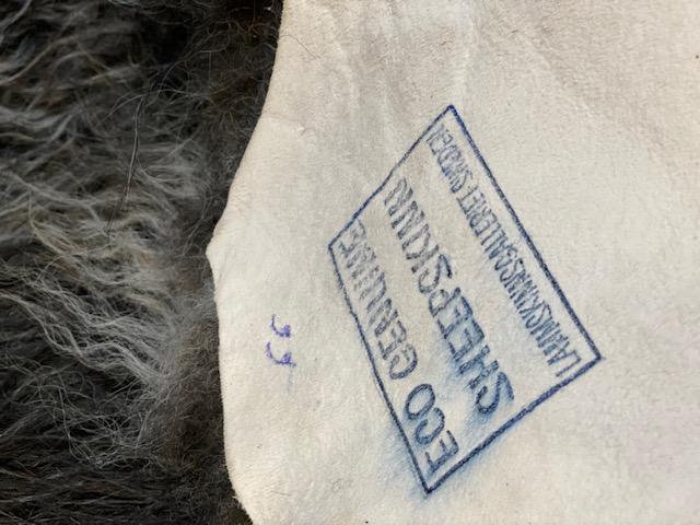 Isländskt fårskinn 66