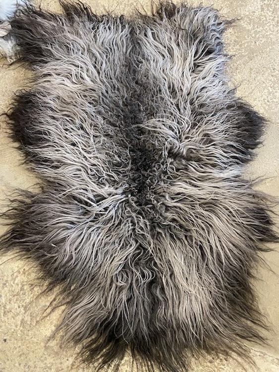 Isländskt fårskinn 65