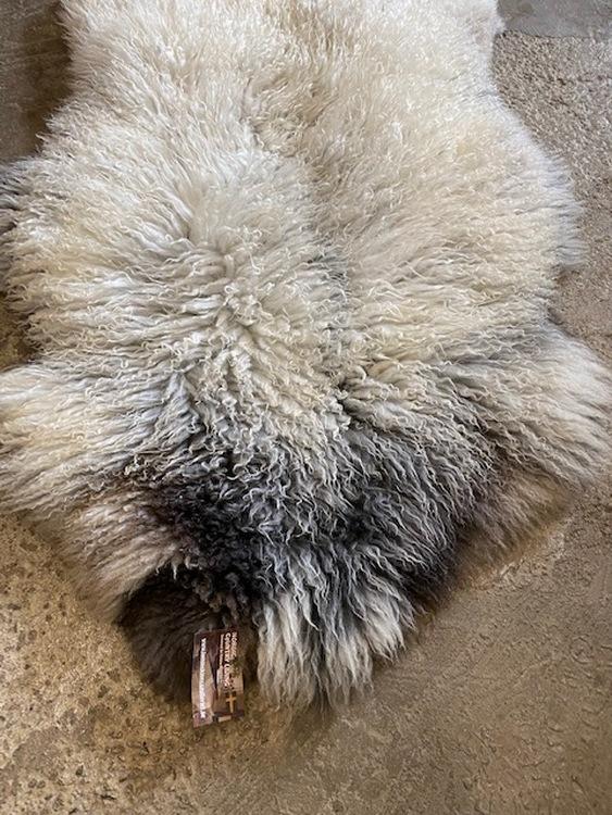 Isländskt fårskinn 42