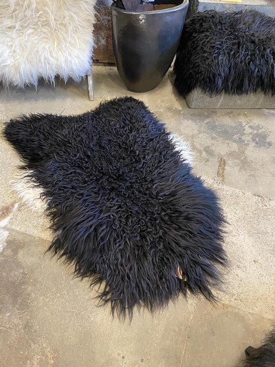 Isländskt fårskinn  svart 46