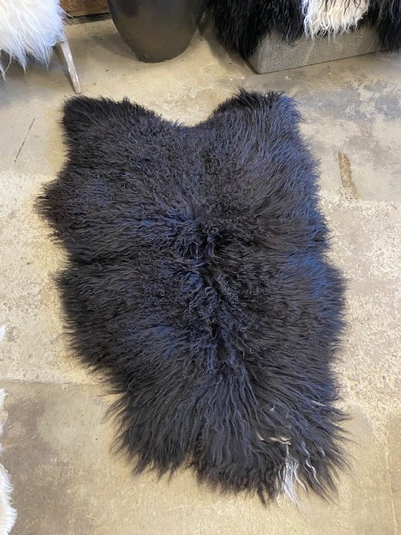 Isländskt fårskinn  svart 103 a