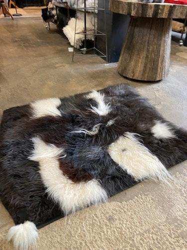 Fårskinnsmatta i äkta fårskinn