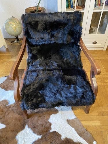 Fårskinnspläd i äkta fårskinn-Toscanalamm-svart