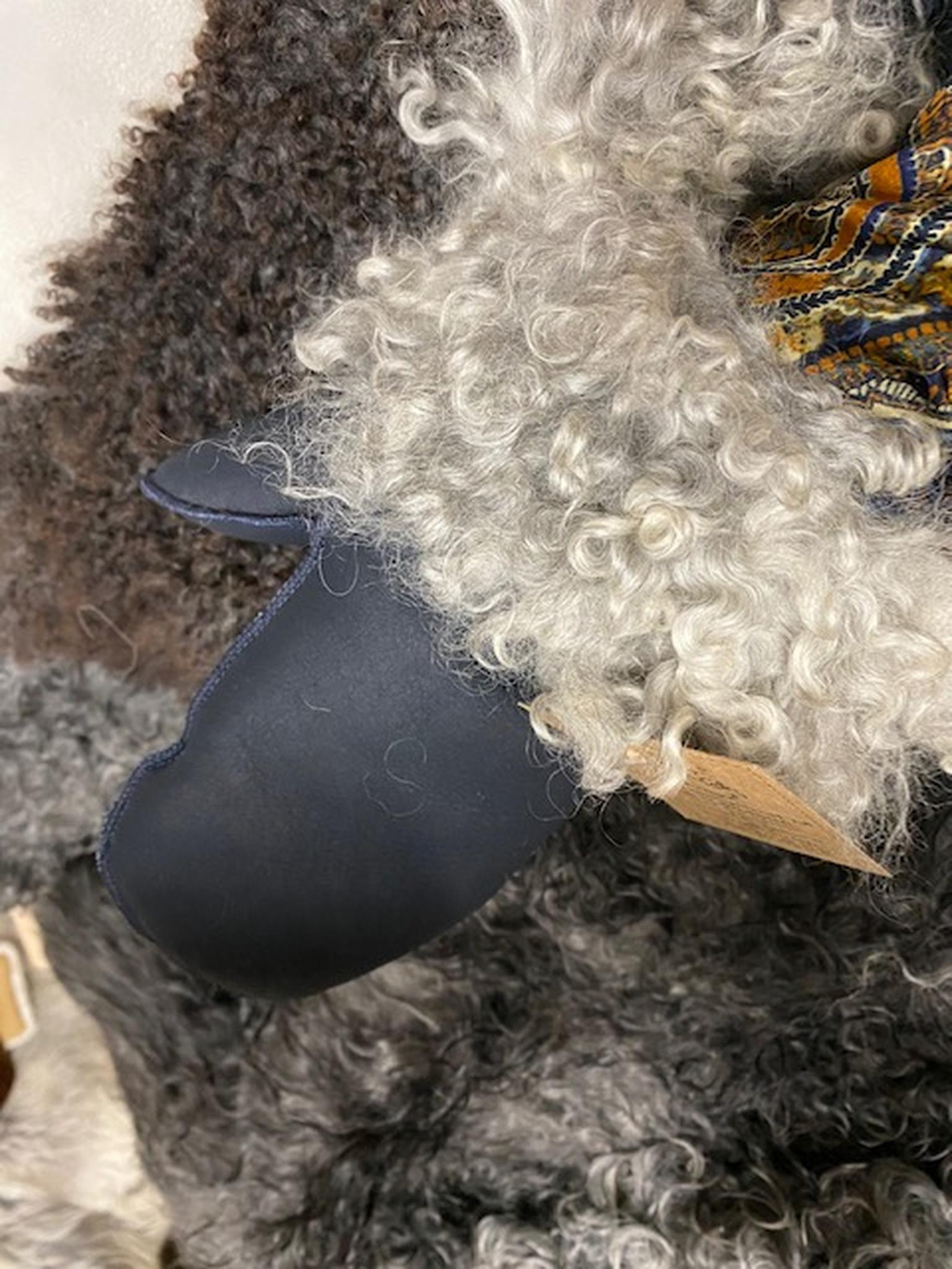 Fårskinnsvantar av äkta fårskinn med pälskant-M