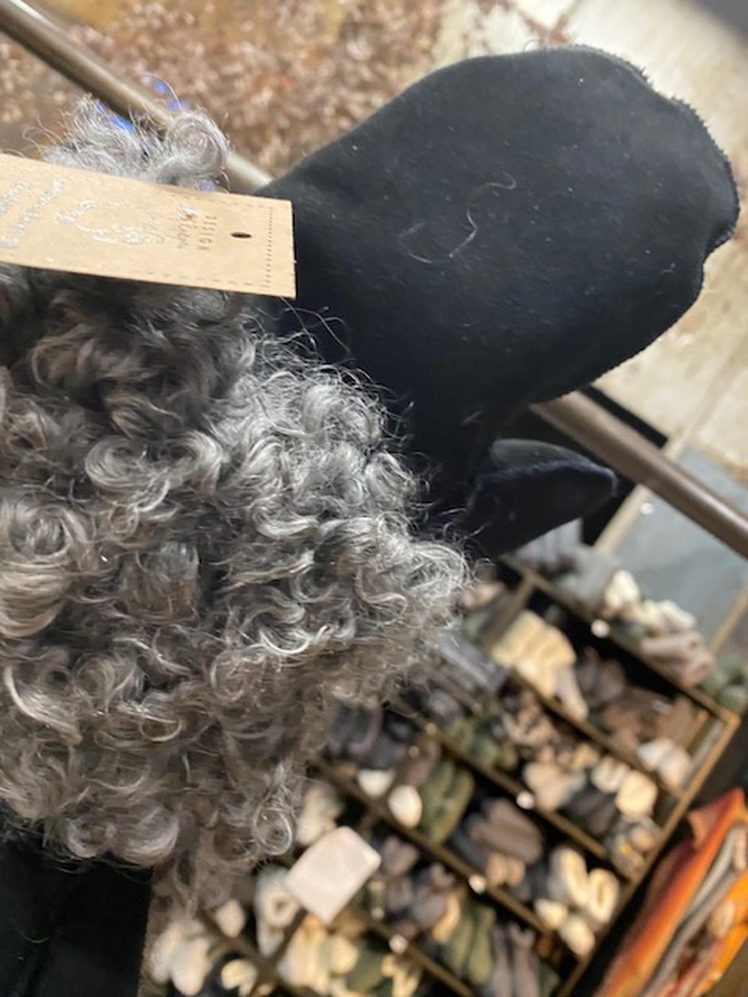 Kopia Fårskinnsvantar av äkta fårskinn med pälskant-L