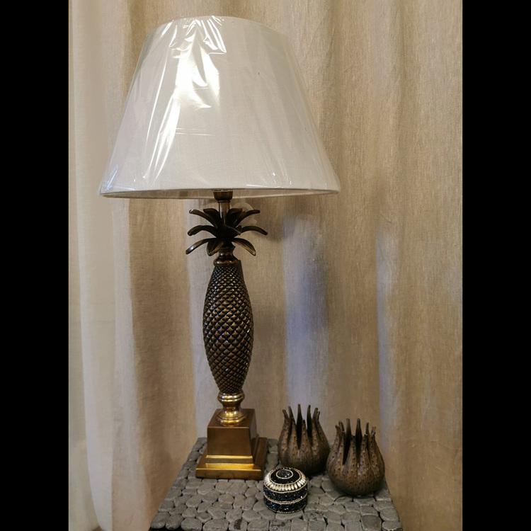 Bordslampa - Ananas