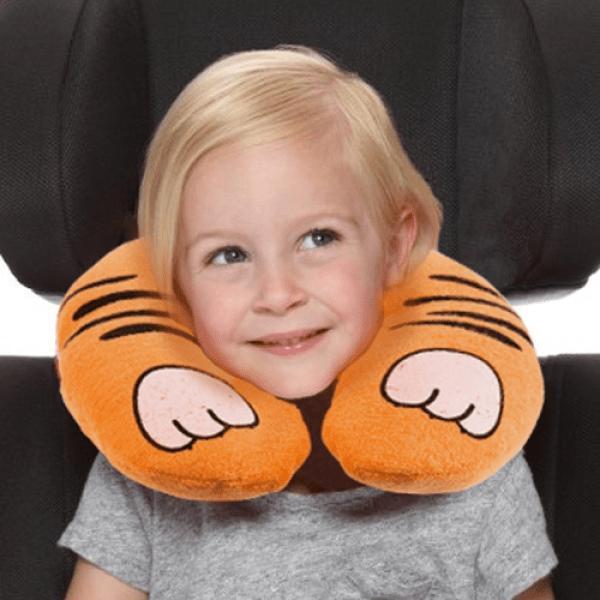 Nackkudde med motiv till barn tiger