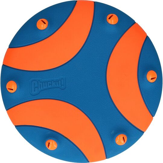 """Frisbee """"Chuckit whistle flight"""""""