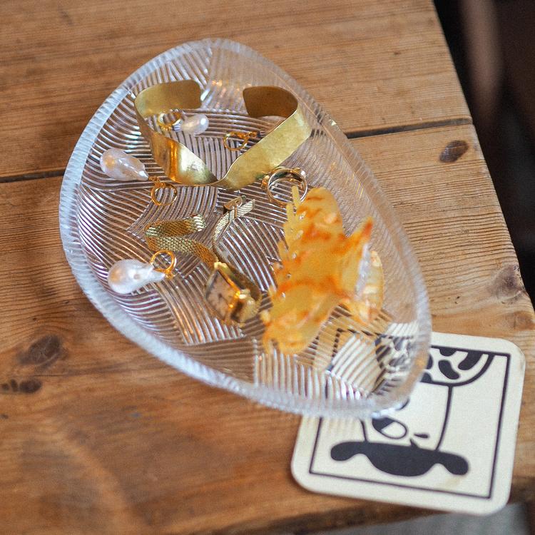 Fun shaped glass plate