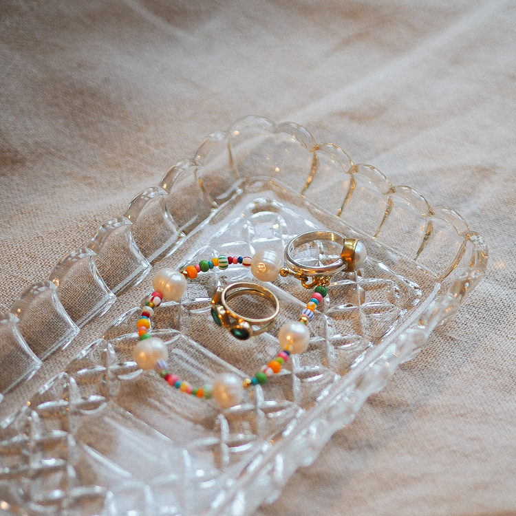 Glass plate with beautiful details