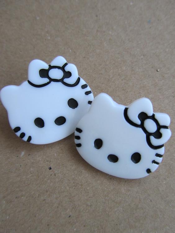Vit knapp Hello Kitty - 28 mm