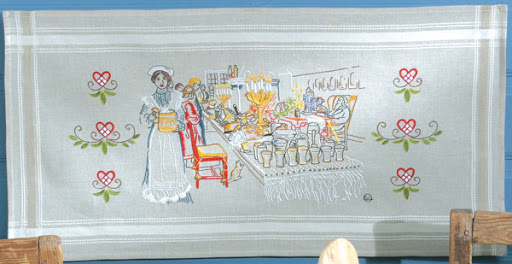 """Ritad bonad """"Julafton"""" som sys med plattsöm, schattersöm, stjälkstygn och kedjestygn. Permin art nr 70-6677."""