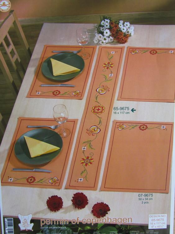 """Tabletter """"Allmoge"""", 2 stycken - som sys med räknade korsstygn. Permin art nr 07-9675"""