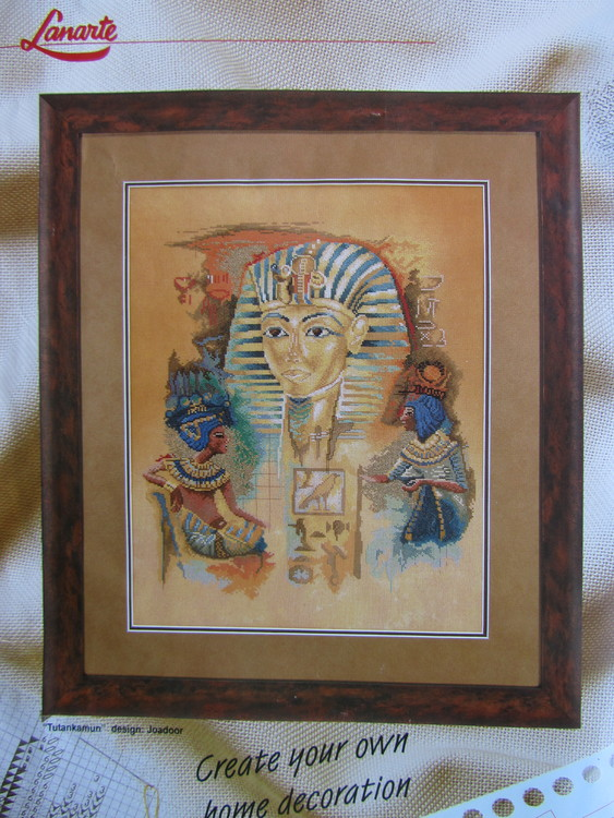 Från Lanarte kommer Tutankamon, ett fantastiska broderi i räknade korsstygn designad av Joadoor. Storlek 39 x 49 cm.