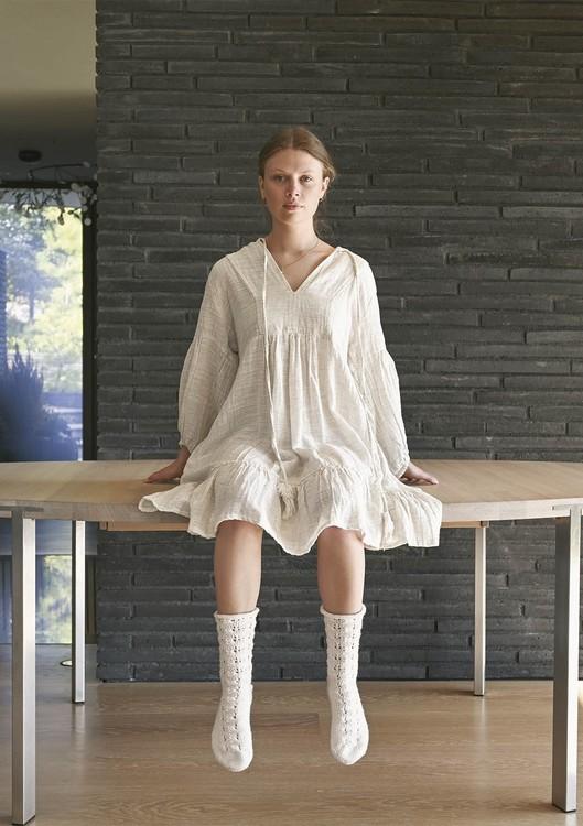 Tema 64 - Nr. 5 - Sokker strikket fra tåen, Strikket i Perfect Superwash eller Spøt  Vanskelighetsgrad: ** Enkel
