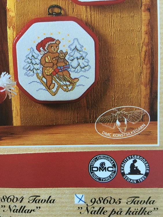 Marks & Kattens Julbroderi - Nalle på kälke art nr 98605