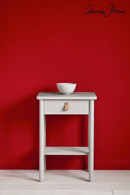 Sängbord målat med Annie Sloan Chalk Paint Chicago Grey