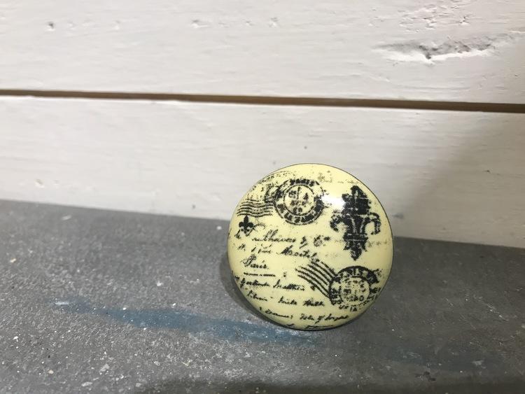 Knopp gul stämpel
