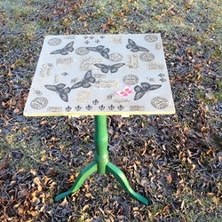 Vikbord med decoupage