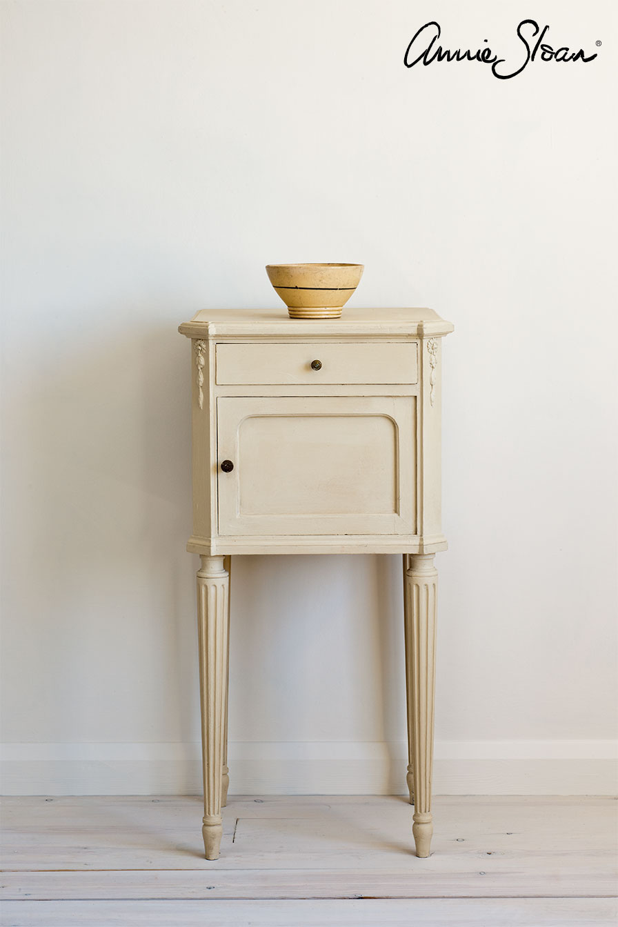 Möbel målad med Annie Sloan Chalk Paint Old Ochre