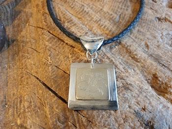 Silverhalsband silver och mässing