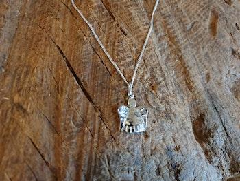 Silverhalsband liten ängel