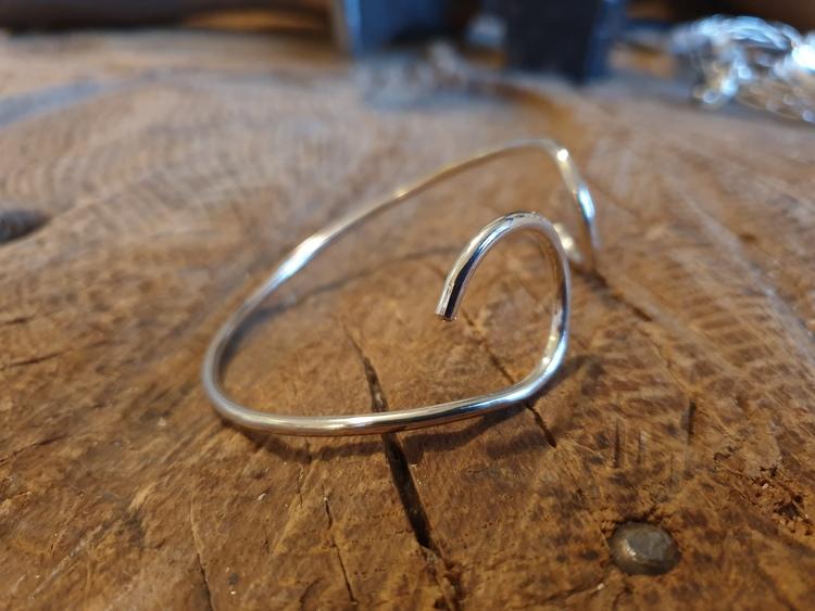 Silverarmband tjock tråd